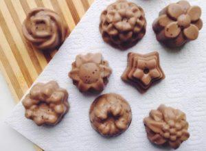 Полезный десерт из ряженки и какао.