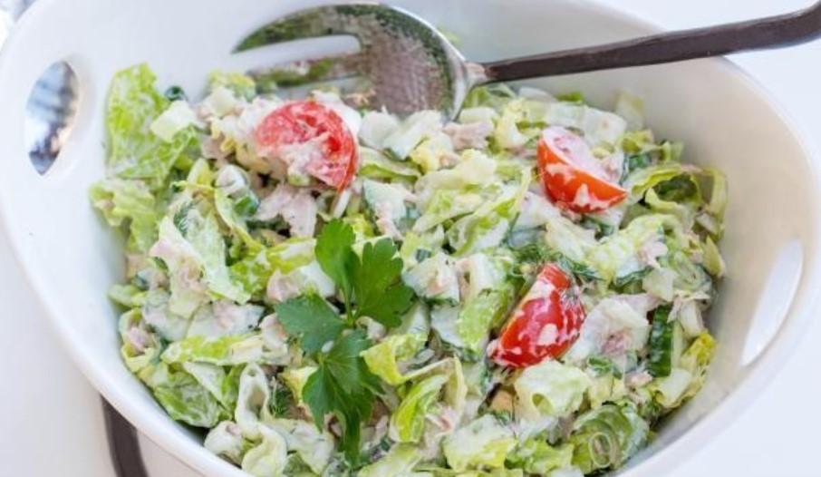 салат из консервированного тунца с овощами