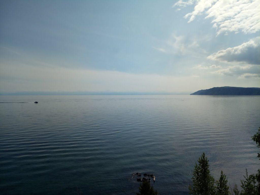 Озеро Байкал (пос. Листвянка)